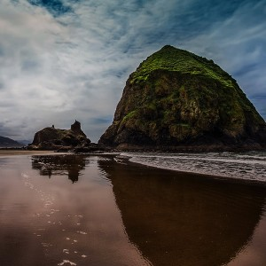 Haystack-Rock-at-Cannon-Beach